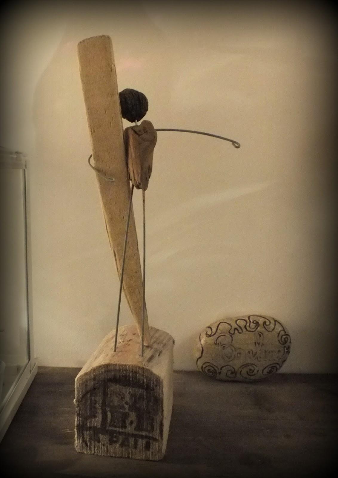 Diverses statuettes surf bois flott mutoz inc art en for Bois flotte nantes