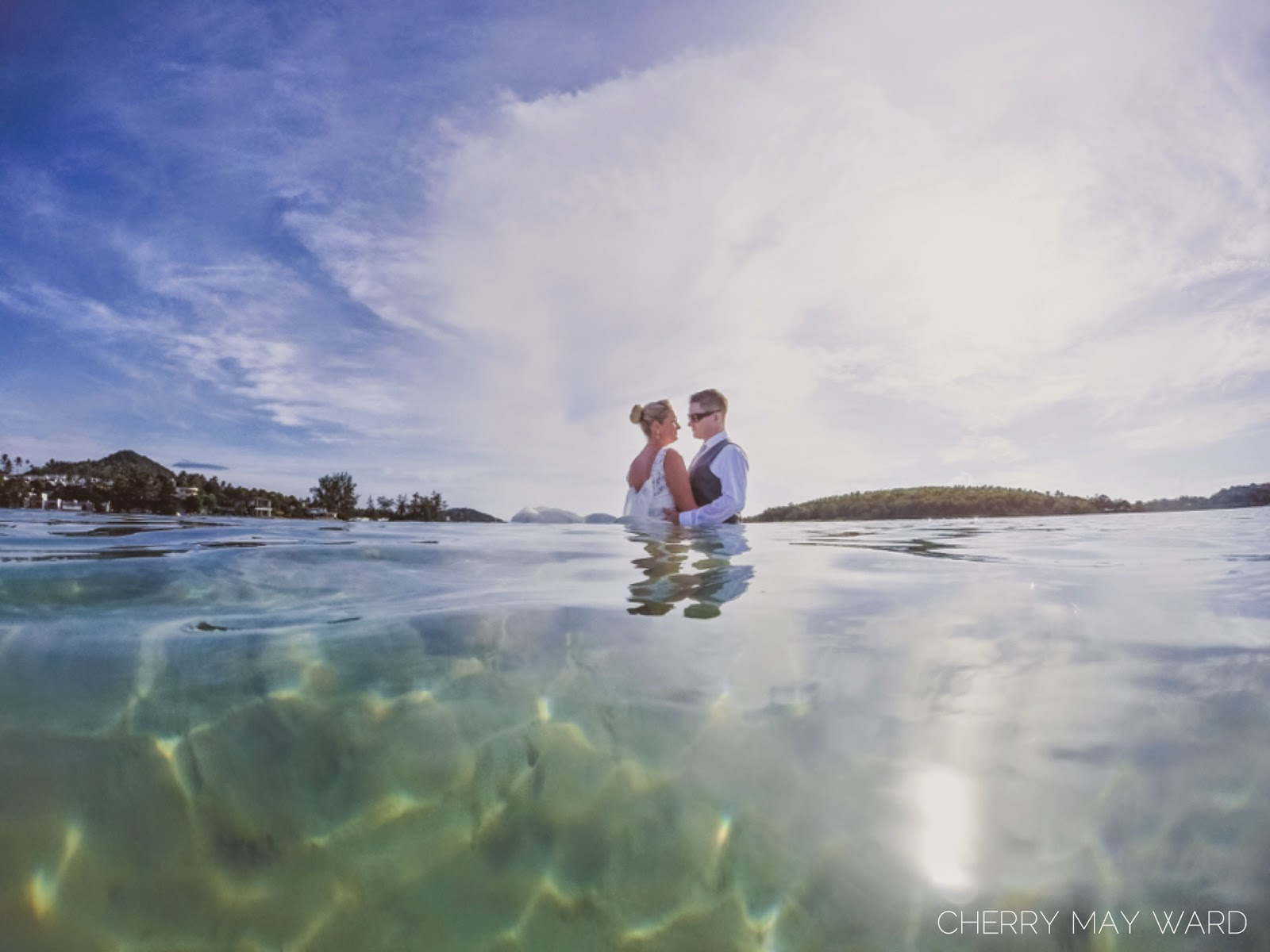 Koh Samui trash the dress from Chaweng Beach, clear blue water, crystal clear water on Chaweng Beach
