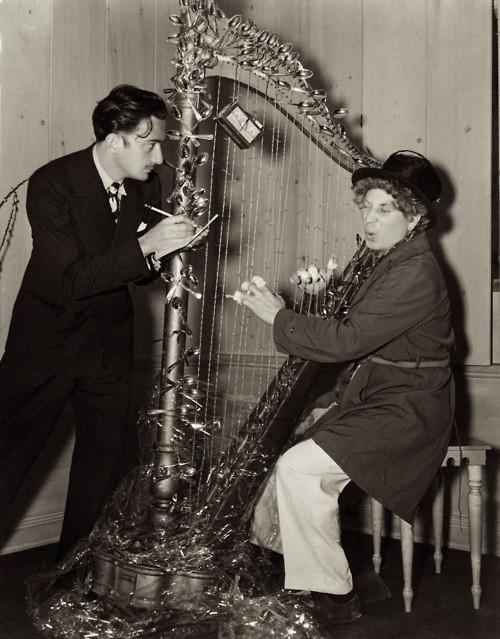 Salvador Dalí y Harpo Marx fotos curiosas