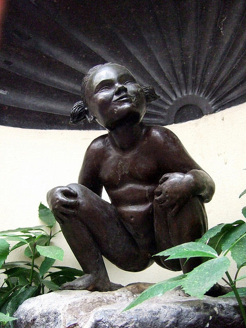 A modern addition to the Belgian peeing tradition is the Jeanneke Pis, a stone statue of a little girl joyfully squatting to pee. It was installed in the city of Brussels in 1987. Photo: James Cridland.