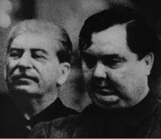 """""""XIX Congreso del PC(b) de la URSS: Informe principal de Georgy Malenkov"""" - año 1952 - publicado en el blog Crítica Marxista-Leninista en junio de 2013 - link de descarga del informe completo Malenkov+y+Stalin"""