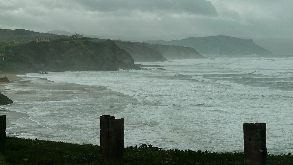 mal tiempo lluvia viento sopelana