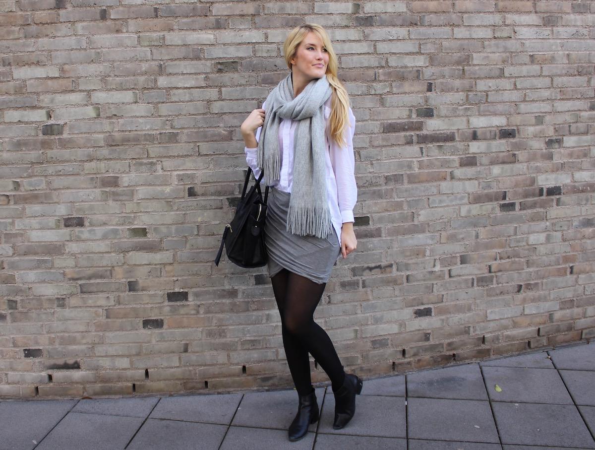 Minimalistic monochrome Outfit - klassisch mit Wickelrock und oversize Bluse