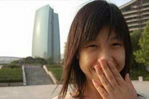 Gadis Yang Tertawa Selama 12 Tahun