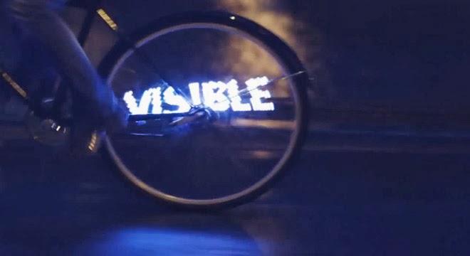 SEAT equipa bicicletas con luces LED para prevenir accidentes