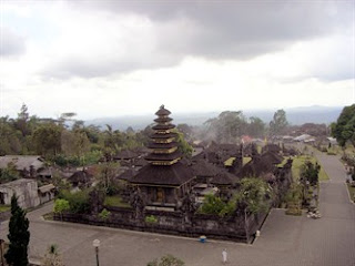 Hindu temple in bali, beautiful temple in bali, hindu ritual in bali