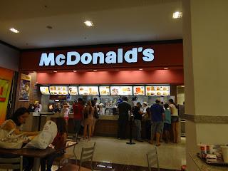 Mac Donald's é a grande atração da praça de alimentação.
