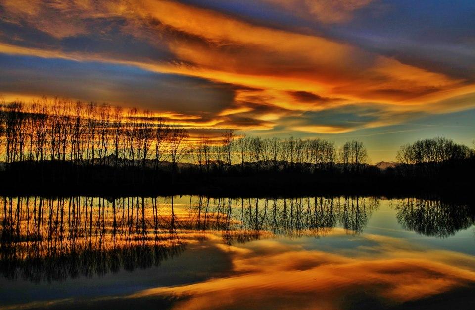Dòng sông Po ở Ý vào một chiều tháng 2/2013. Tác giả : Marco Mereu.