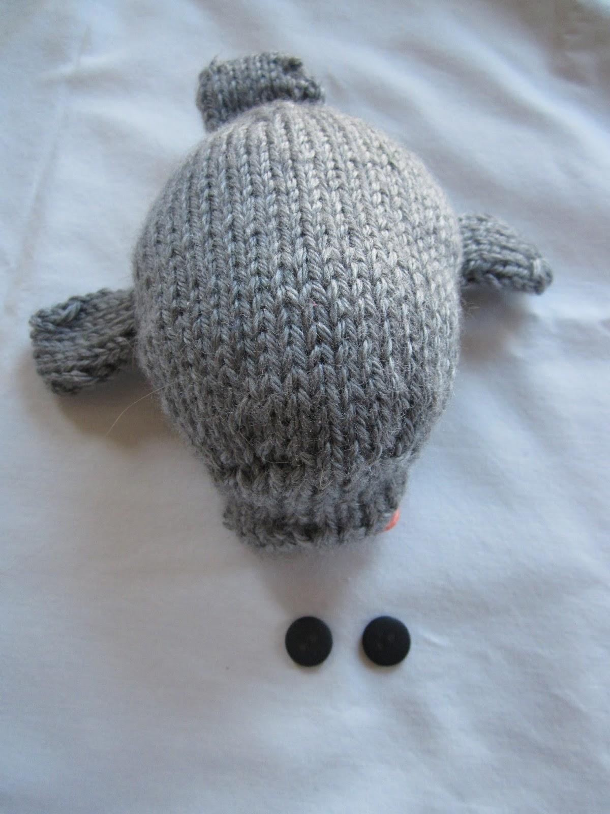knit read cats hockey: More Secret Knitting Revealed!