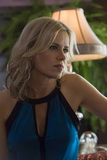 Kim Dickens in Sons of Anarchy, ep Straw (season premiere)