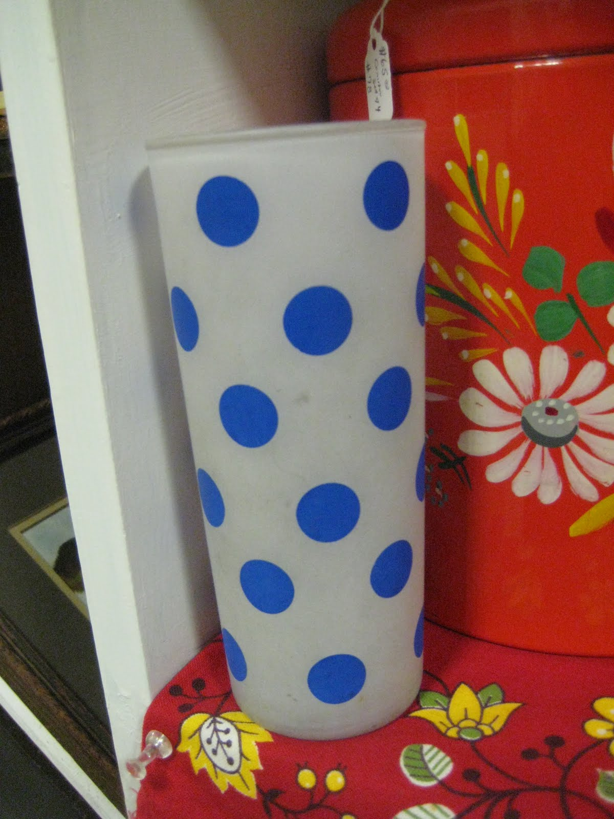 c dianne zweig kitsch n stuff collecting vintage polka dot for example a tea cup collec