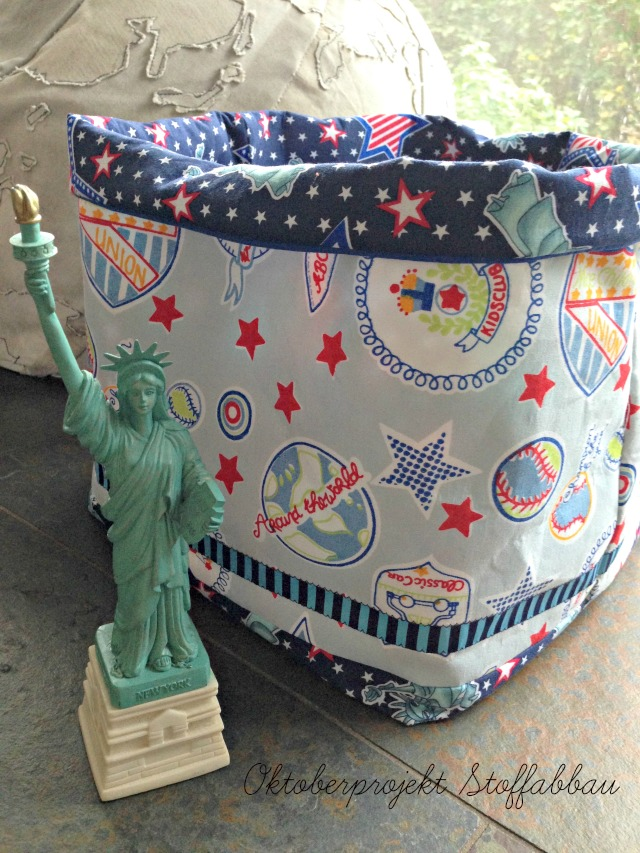 Utensilo aus Room Seven und Farbenmix Liberty Stoff