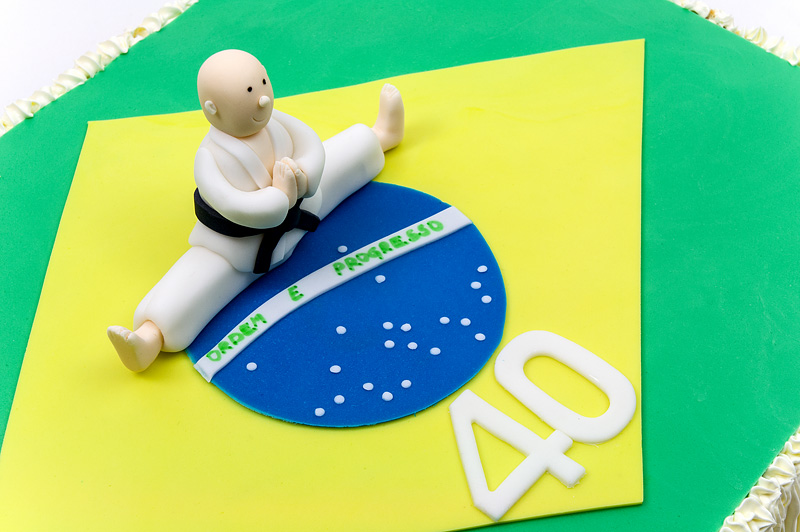 Brasil karate champ cake close up top
