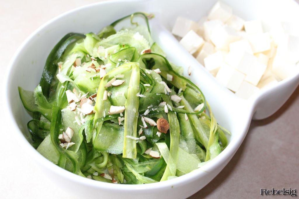 Livet I Rebelsig Aspargesagurk Salat Med Fetatern