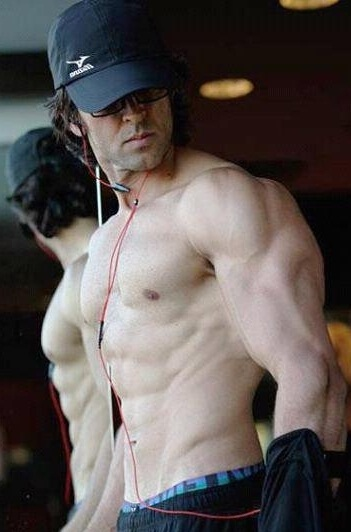 Hrithik Roshan Gym Workout And Diet Secrets - Latest ...