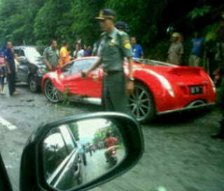 Mobil Ferrari Dahlan Iskan Kecelakaan Di Magetan