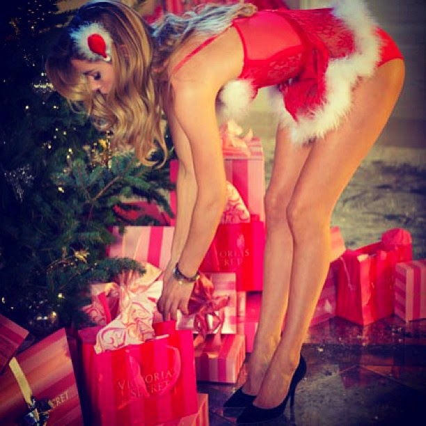 Victoria's Secret Angels holiday.filminspector.com