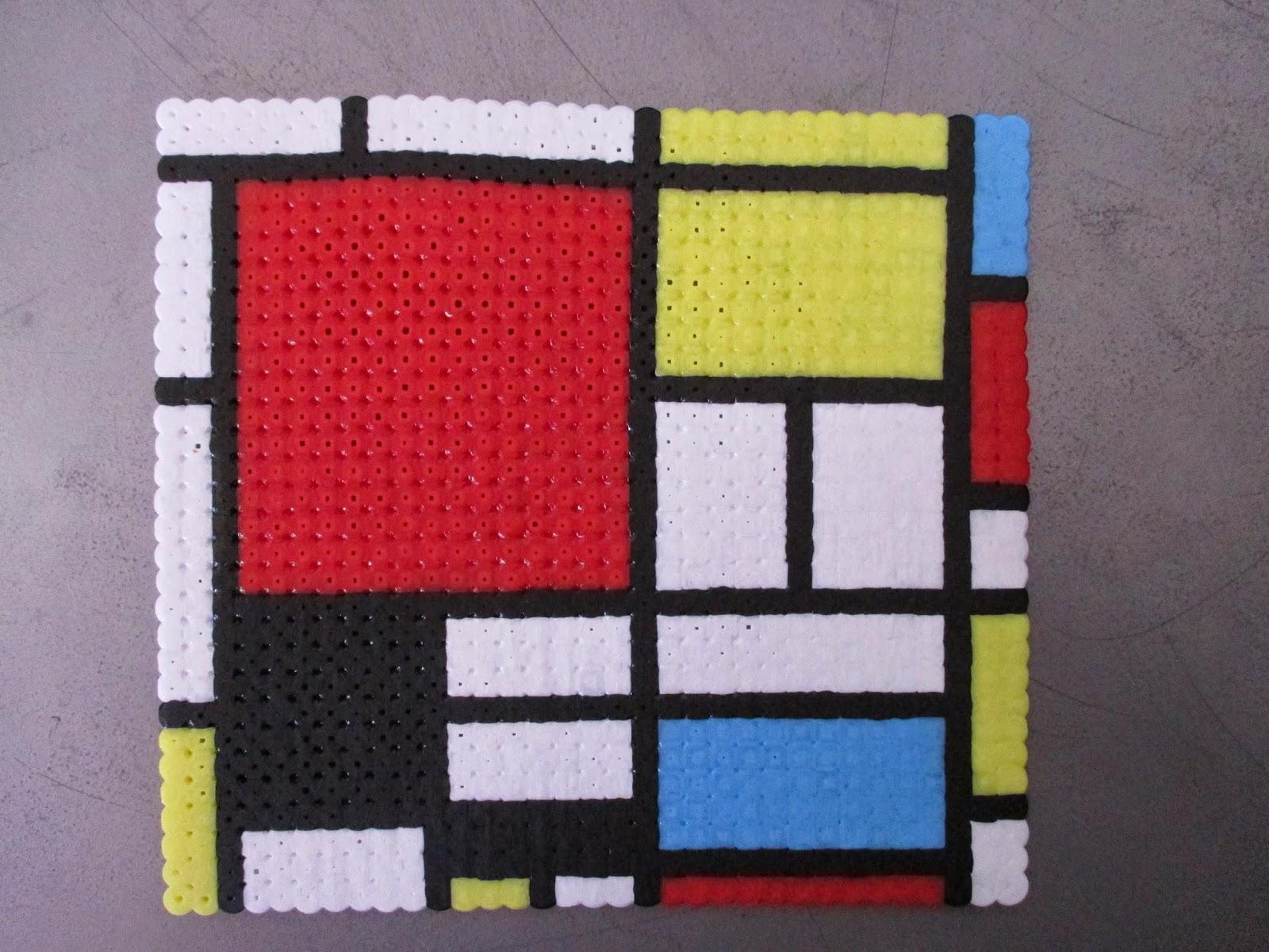 Pixel art en perle hama toile de mondrian en perle repasser - Peinture facile a reproduire ...