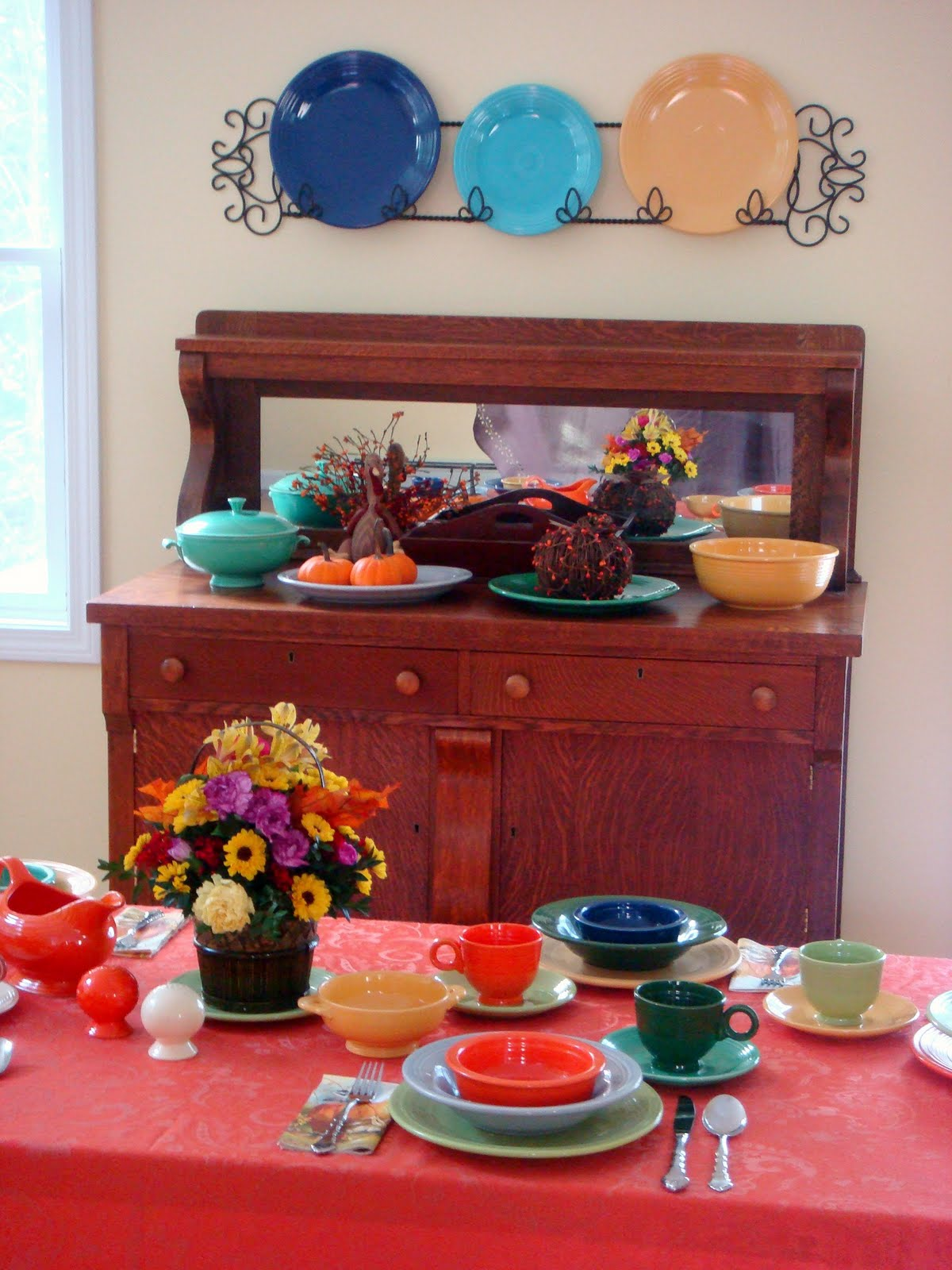 We have all of the vintage Fiesta colors but I tried to use the darker fall-ish colors this time. : fiestaware table settings - Pezcame.Com