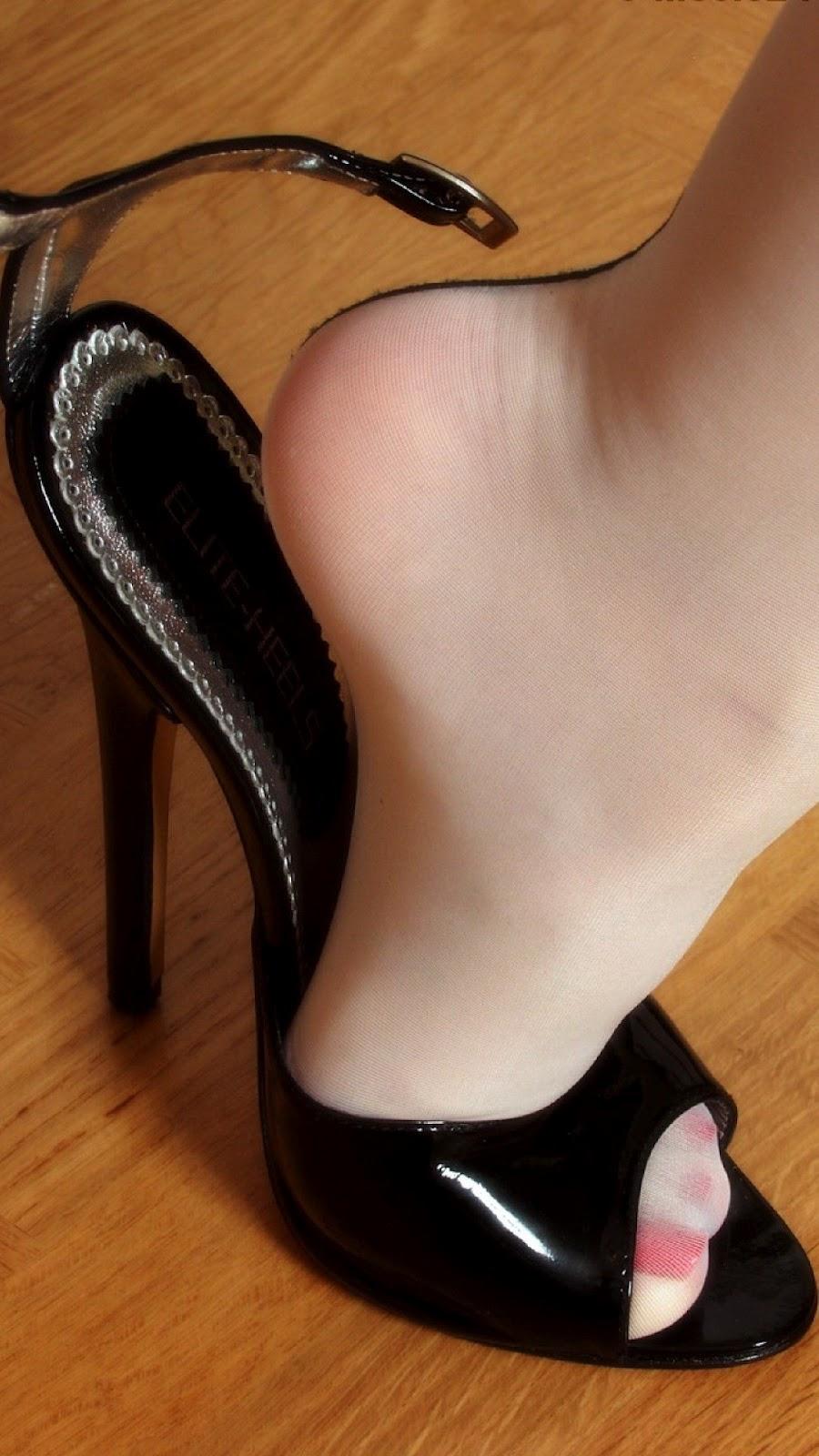 Фото грязные колготки на ногах 10 фотография