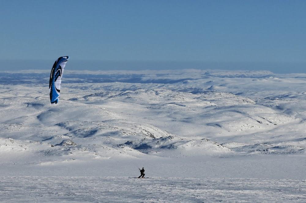 Kiting on Hardangerjokulen, Norway