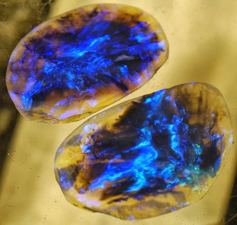 The Lightning Ridge Black Opal