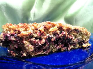 Овсяный пирог с фруктами и ягодами