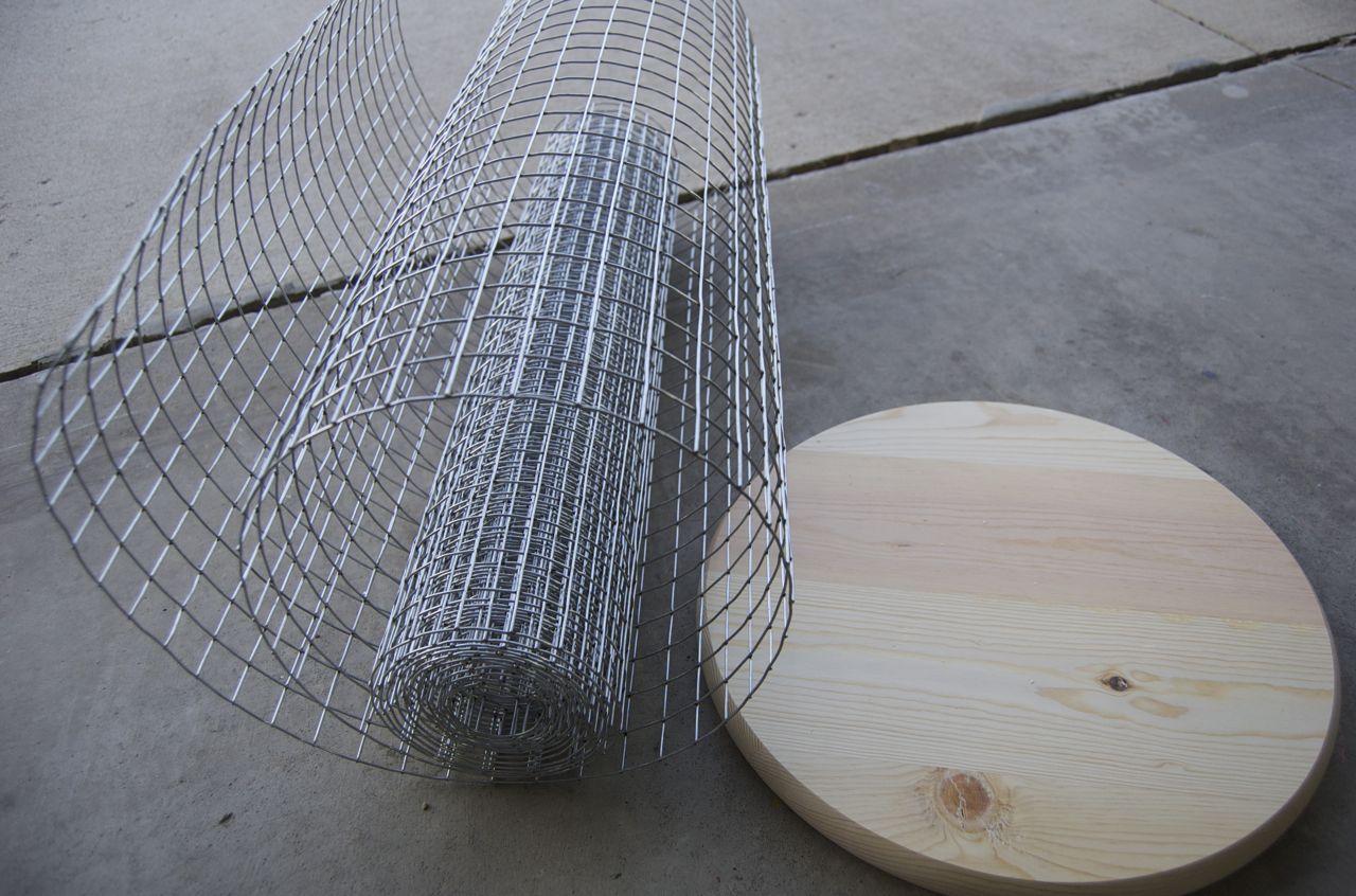 Vintage inspirred wire hamper
