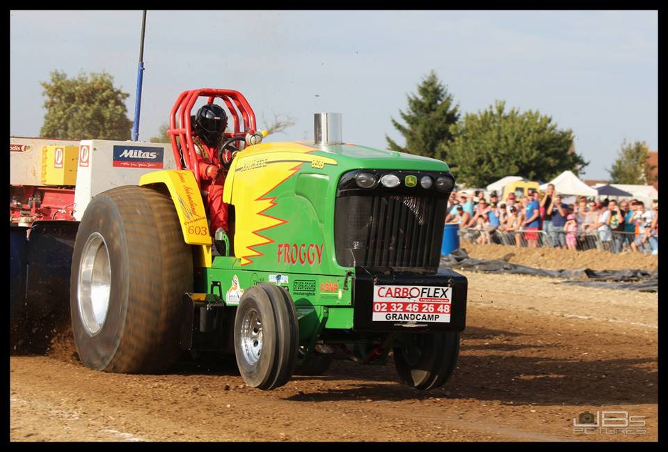 John Deere Super Stock Pulling Tractors : Tractor pulling news pullingworld cdh team