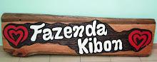 Placas Entalhadas na Madeira