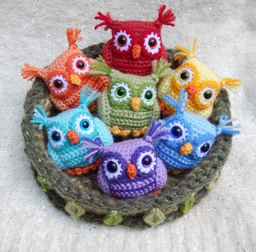 Nesting Rainbow Owls - Free Pattern