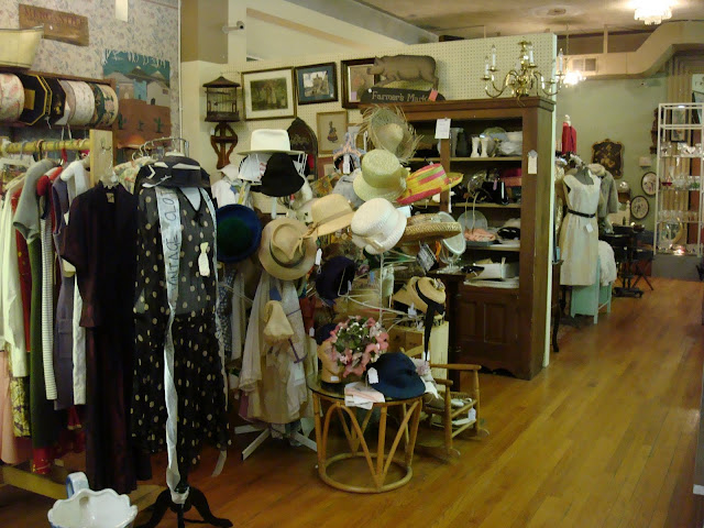greater columbus antique mall. Black Bedroom Furniture Sets. Home Design Ideas