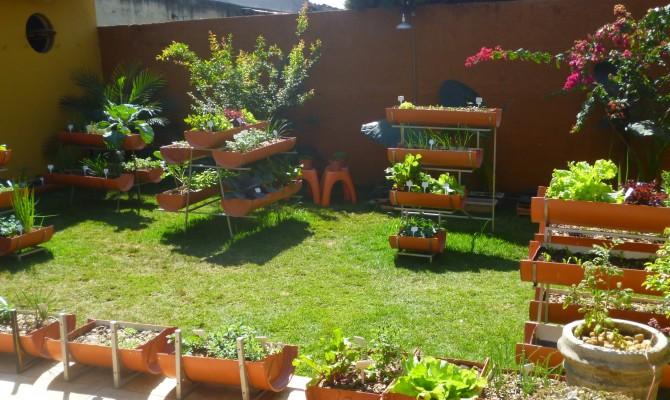 horta e jardim em pneus:Mini Hortas: Um modelo de horta em casa
