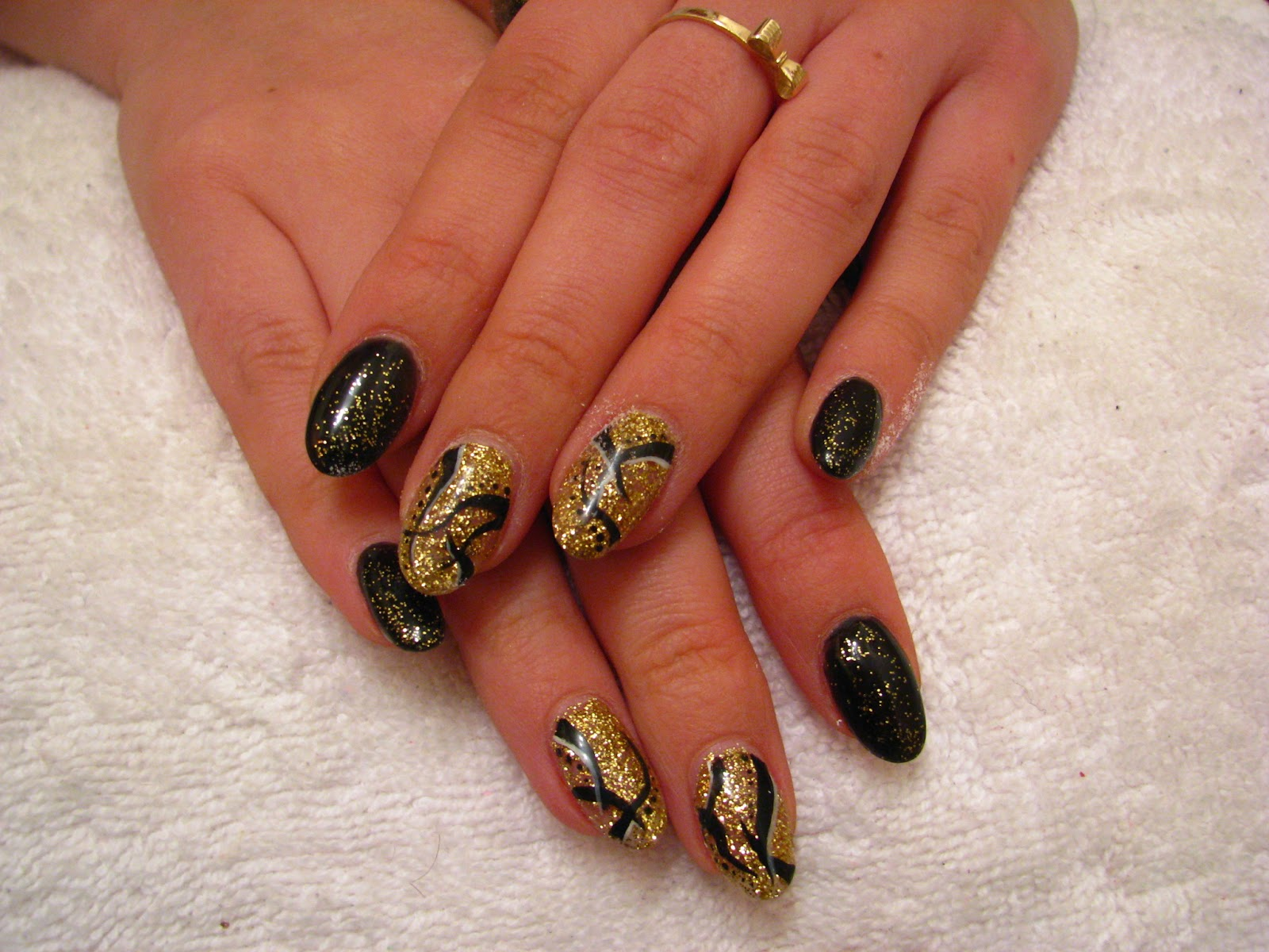 Paznokcie żelowe I Hybrydowe Sylwestrowe Czarno Złote