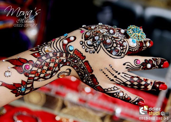 BridalmehndiwwwShe9blogspotcom2528252529 - Embroidered Mehndi