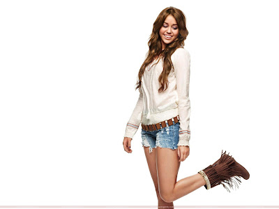 Miley Cyrus Hollywood Singer Latest Wallpaper