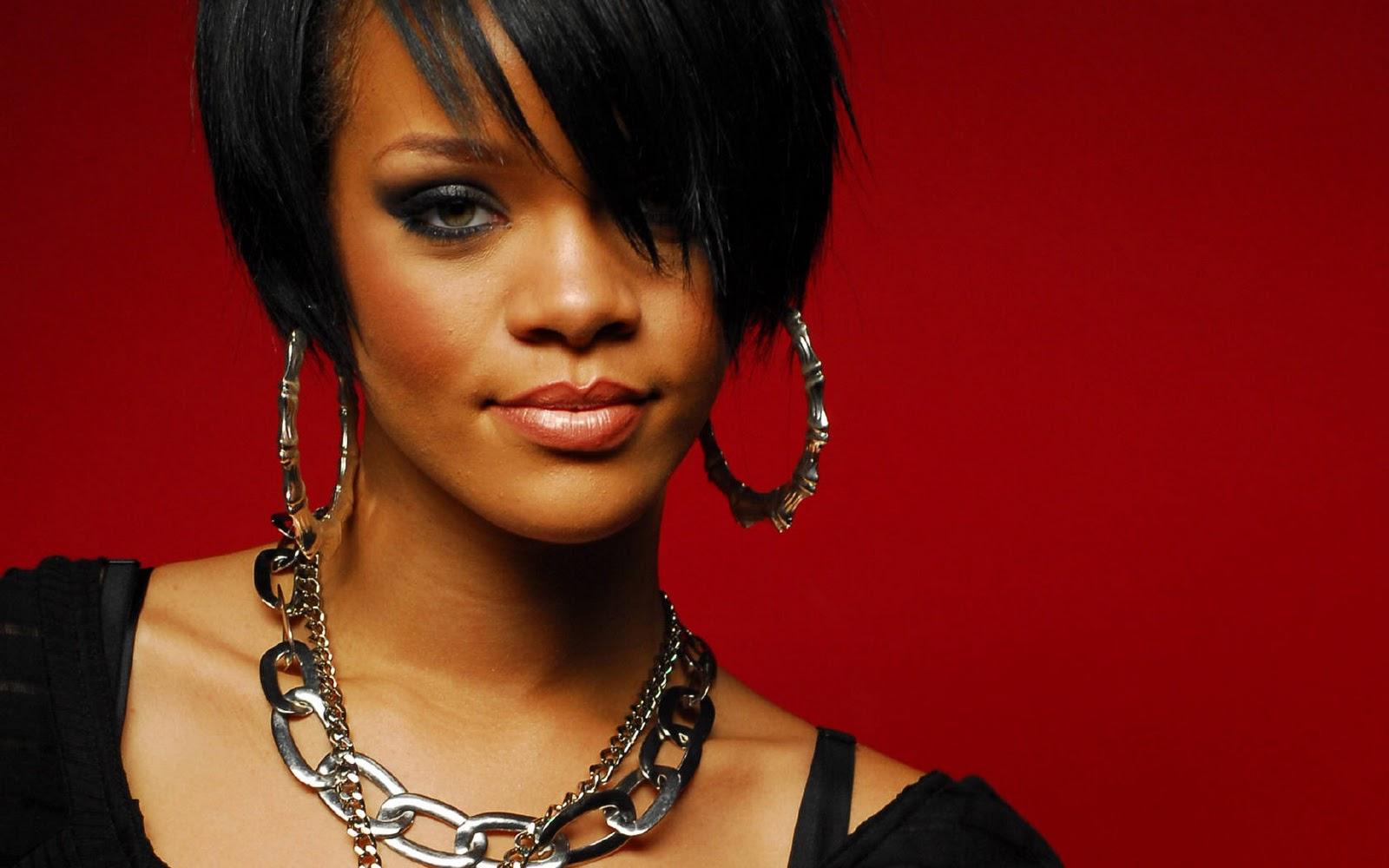 http://2.bp.blogspot.com/-5AfJJZvjb0E/TqIbrcdthKI/AAAAAAAAHDI/4vnIf0FRTfs/s1600/Rihanna+Wallpaper+1680x1050.jpg