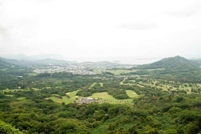 Windward Town of Kailua, Oahu | www.floralsandplaid.com