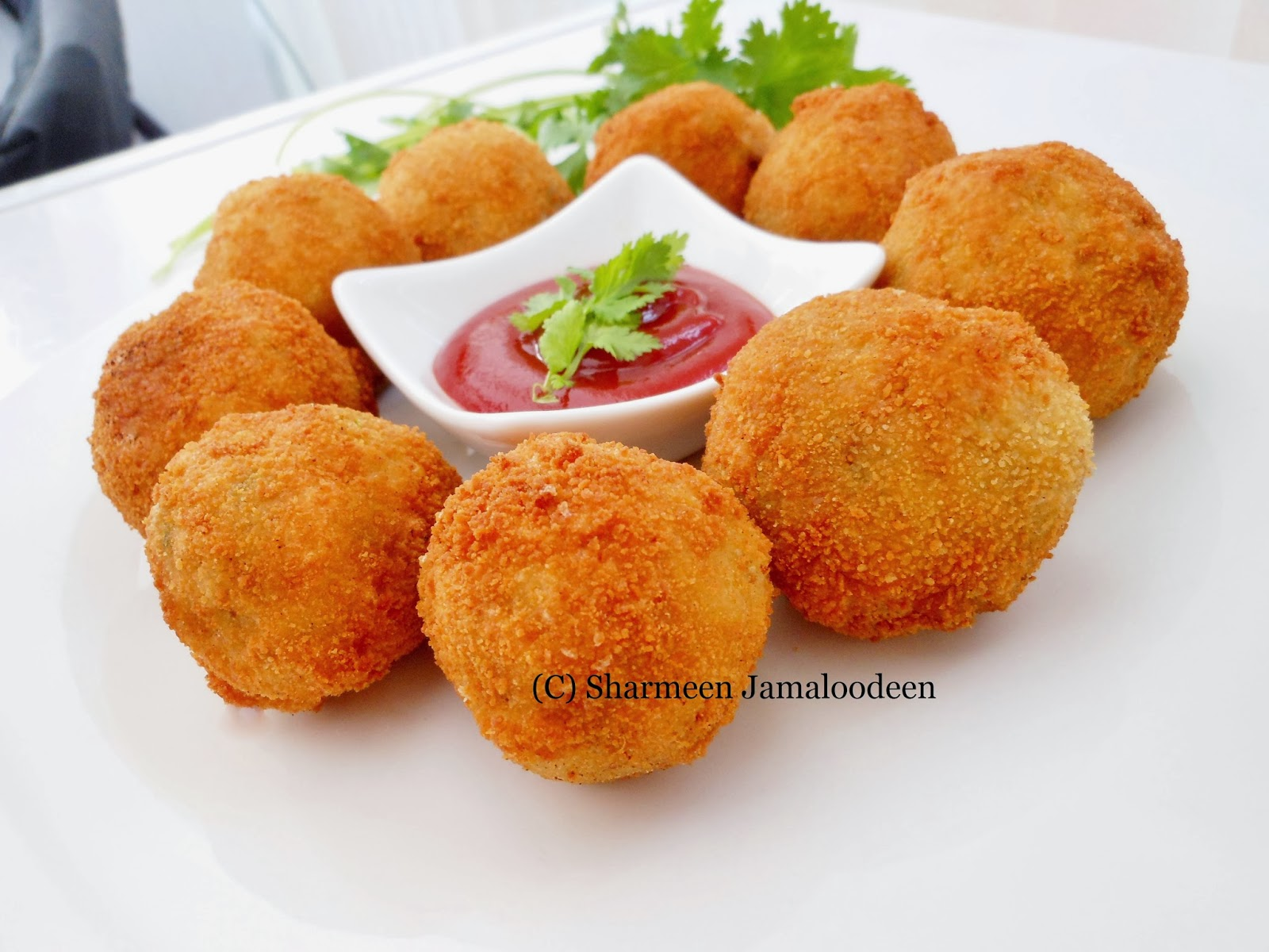 Cheesy Chicken Potato Croquettes