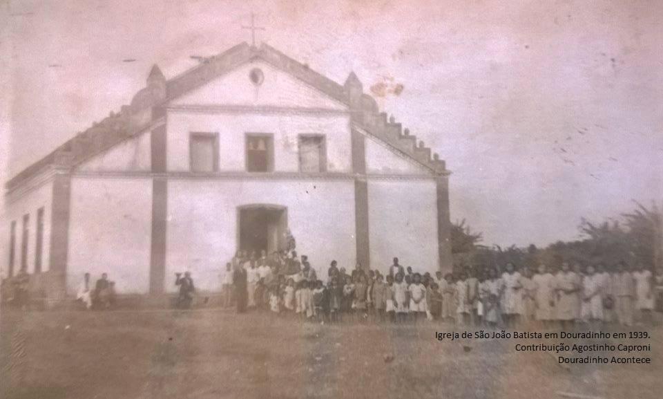 Antiga Igreja em Douradinho