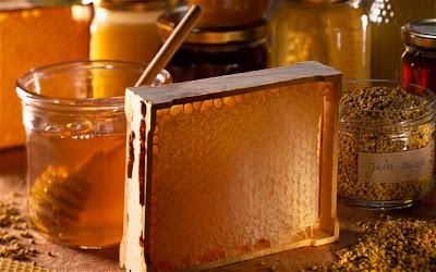 Xin BS cho biết trẻ sơ sinh có nên dùng mật ong không?