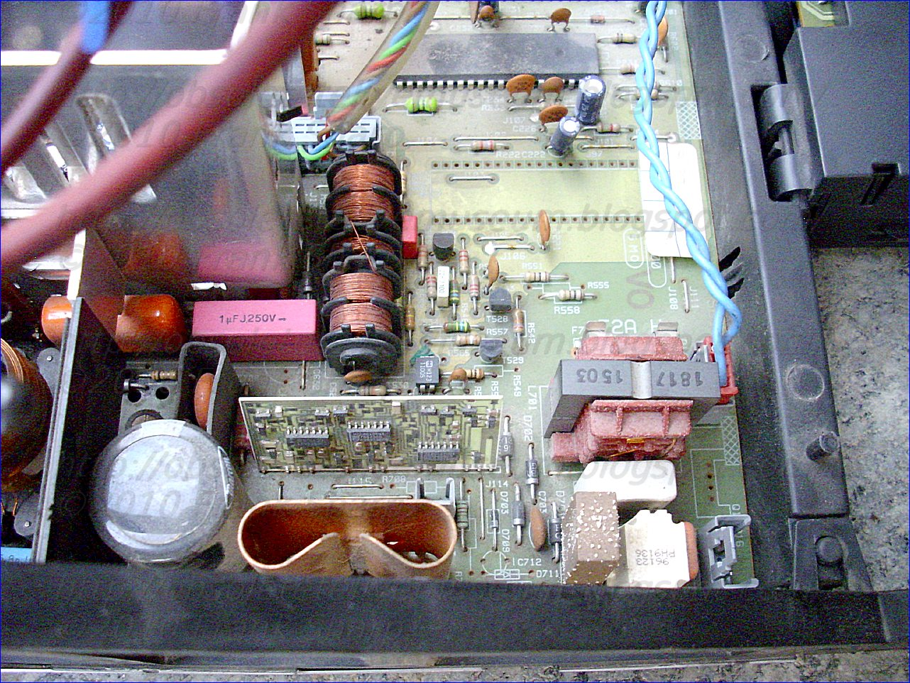 Obsolete Technology Tellye Hitachi Cs2562ta Chassis Eurodigi 4 3 506 X 331 250 Kb Jpeg How To Wire A Gfci Circuit Power Supply Device As In Claim 2 Characterized By The Fact That Regulation 40 Contains An Unstable Multivibrator 48 Whose Output Is