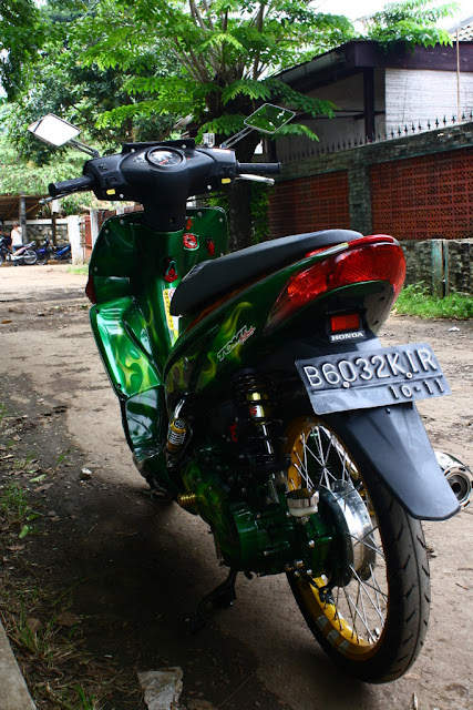 Honda Vario 2006 full modifikasi pelek 17 body airbrush
