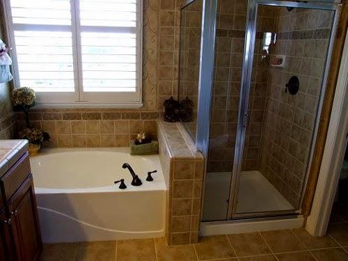 master bedroom bathroom / closet layout