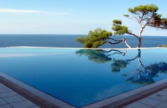 Sudah Menjadi Hal Biasa Setiap Villa Di Bali Atau Hotel Mempunyai Pool Yang Luas Saat Ini Ada Baru Banyak Dikunjungi Para Pelancong Salah Satunya