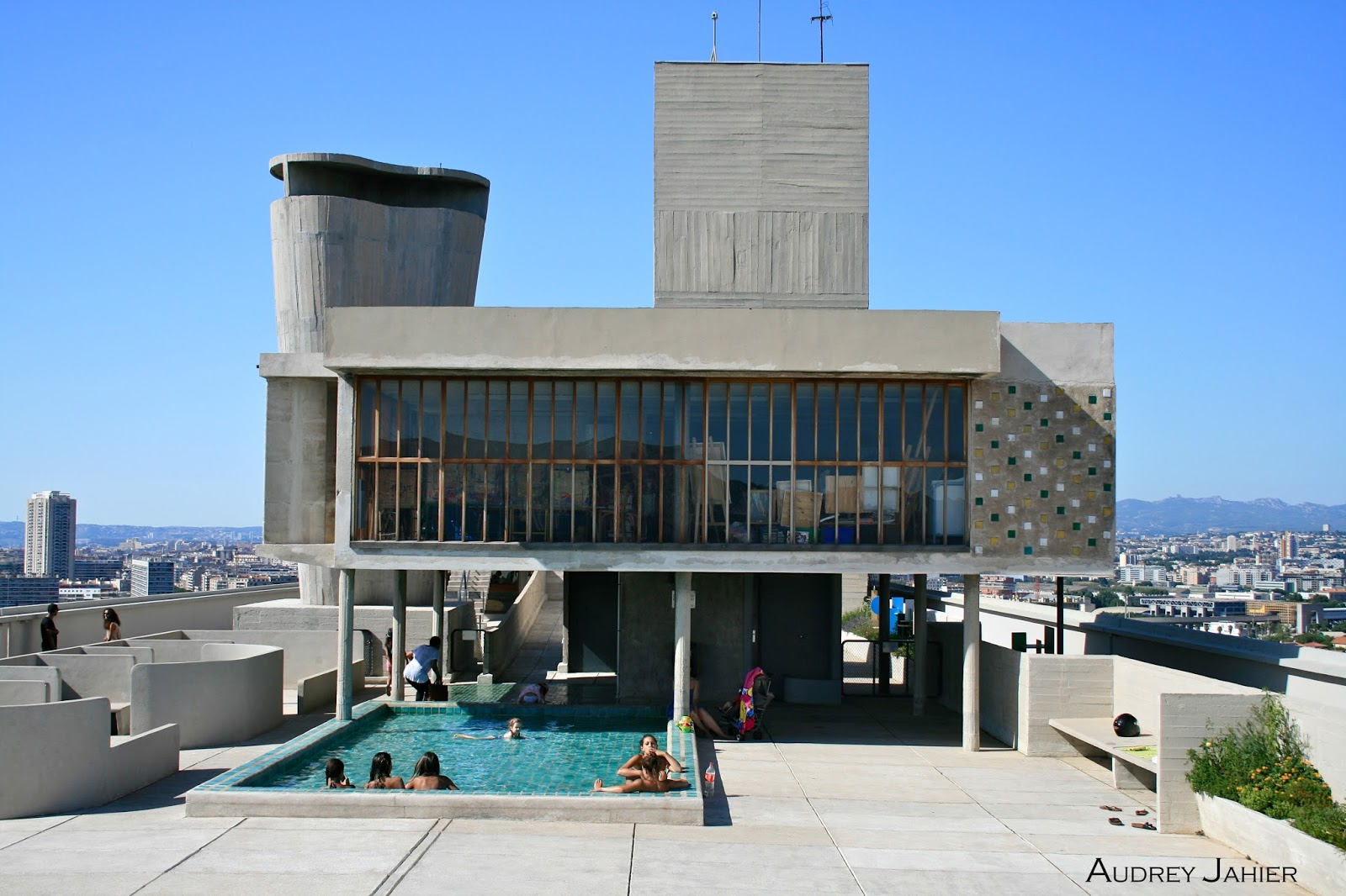 cite-radieuse-le-corbusier-photographie-architecture-marseille-france