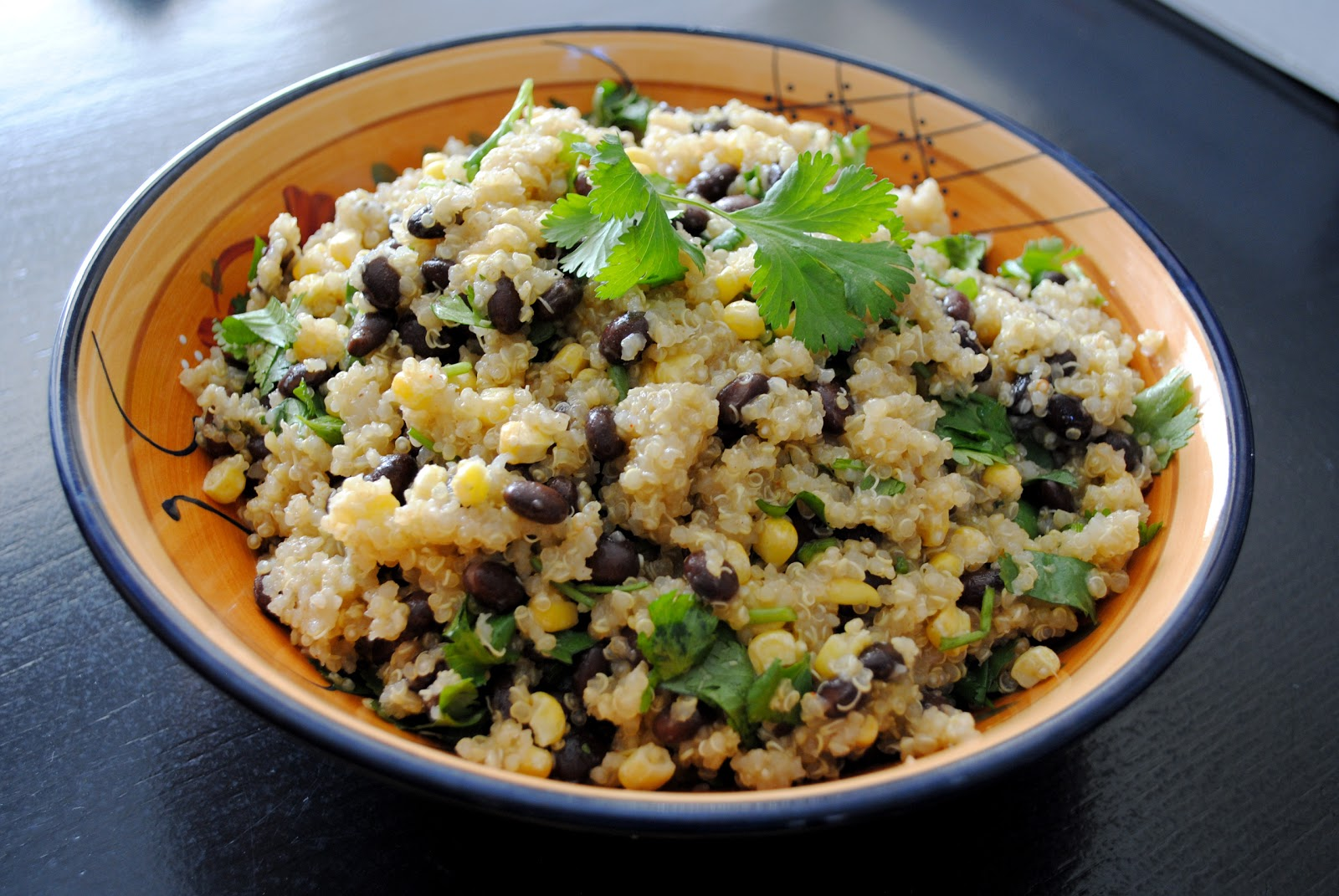 Whole Grain Quinoa (1/4 cup dry):