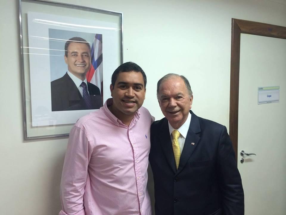SERRINHA:Secretário Val Abreu tem recebido apoio de lideranças politicas do Estado