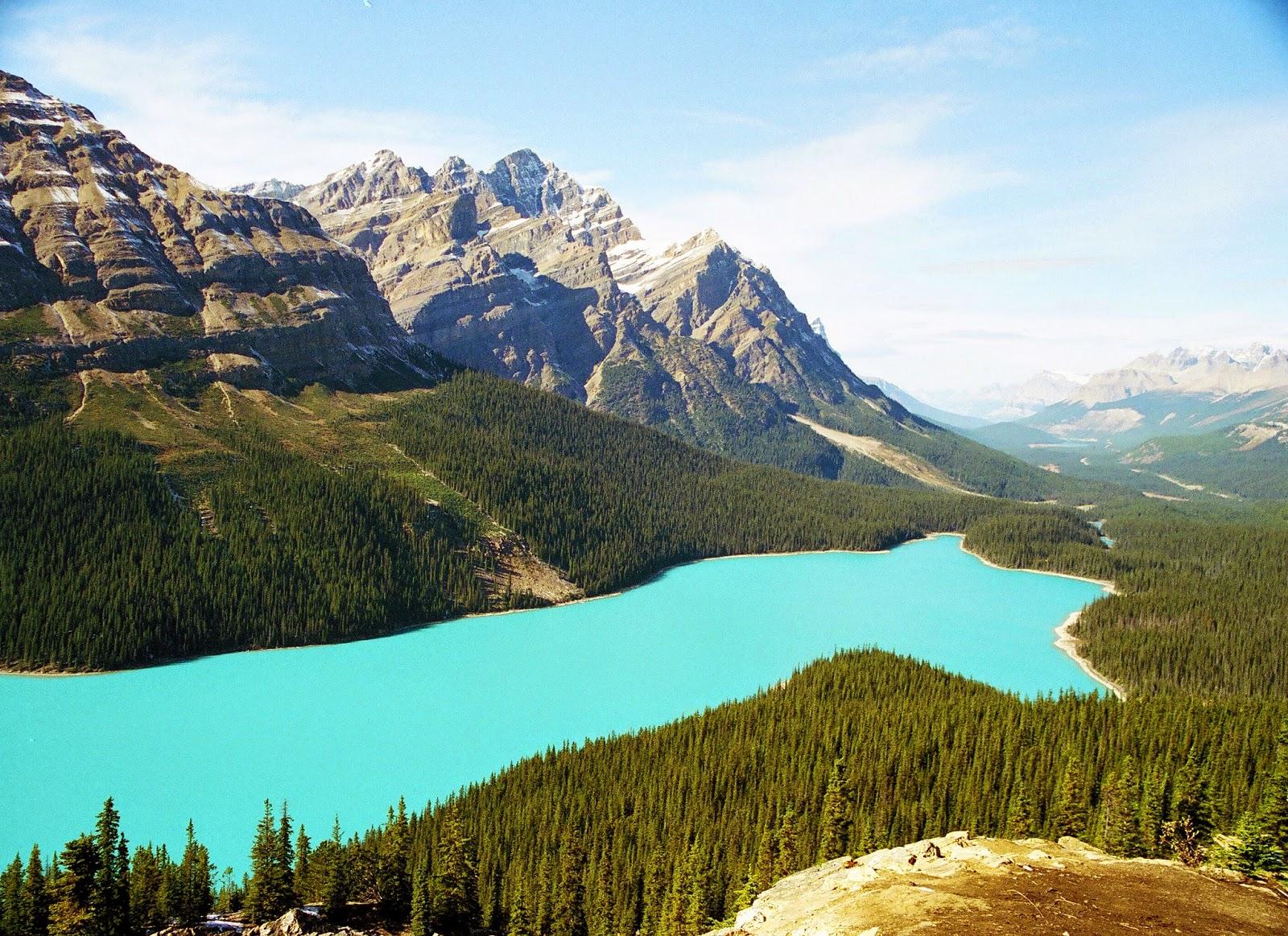 اجمل بحيرة في العالم بحيرة لويز الكندية