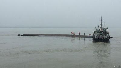 Tai nạn lật tàu ở Trung Quốc